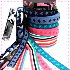 Socken, Röcke, Shorts oder Schwangerschaftshosen: Elastikbänder kommen gerne zum Einsatz, wenn an Bund und Saum Elastizität gefragt ist! Band, Shorts, Fashion, World, Trousers, Moda, Sash, Fashion Styles, Ribbon