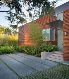 Bernard Trainor Design, poured in place concrete walkway