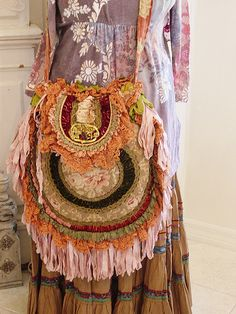 Now that is a boho bag Magnolia Pearl Boho Bag Bohemian Mode, Bohemian Gypsy, Gypsy Style, Hippie Style, Bohemian Style, My Style, Vintage Bohemian, Hippy Chic, Boho Chic