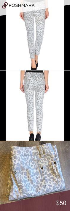 Cheetah print capris Cheetah/animal print Capri cropped pants. 27 inch inseam. Chico's Pants Ankle & Cropped