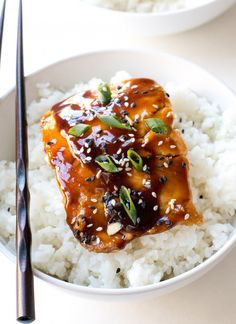 ) – Chef Savvy Easy Teriyaki Salmon pan-fried to perfection and served with a homemade teriyaki sauce! Serve with rice and veggies to make it a meal! Teriyaki Glazed Salmon, Teriyaki Sauce, Salmon Marinade, Soy Sauce, Asian Salmon, Salmon Dishes, Fish Dishes, Salmon Food, Grilled Salmon