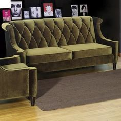 Tips That Help You Get The Best Leather Sofa Deal. Leather sofas and leather couch sets are available in a diversity of colors and styles. A leather couch is the ideal way to improve a space's design and th Sofa Upholstery, Upholstered Sofa, Transitional Sofas, Green Velvet Sofa, Green Couches, Sofa Deals, Best Leather Sofa, Unique Sofas, Couch Set