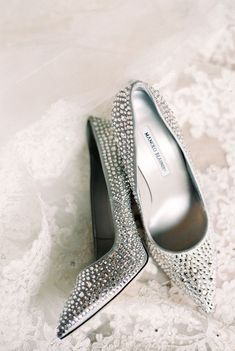 Crystal encrusted wedding shoes for the fashionable bride! Shoes: Manolo Blahnik Photographer: Nancy Aidee Photography