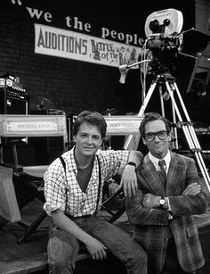 Back To The Future - Michael J. Fox and Huey Lewis on the set