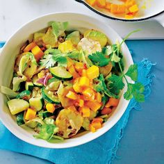 Spitzkohl-Curry mit gebratener Mango | BRIGITTE.de