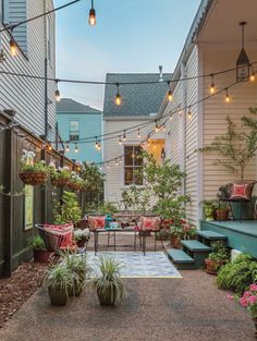Urban Oasis - New Orleans Homes & Lifestyles - Summer 2017 - New Orleans, LA - styled and written by Valorie Hart photos by Sara Essex Bradley Backyard Garden Design, Backyard Retreat, Lawn And Garden, Backyard Landscaping, Home And Garden, Modern Backyard, Garden Living, Backyard Patio, Terrazzo