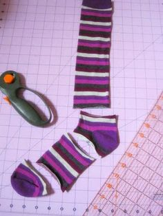 Kid leg warmers out of socks.  Jada is loving leg warmers this year so I need to make these asap