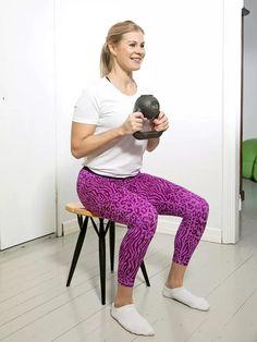 Kahvakuulalla kuntoon! Testaa 3 liikkeen helppo kotitreeni, joka sopii kaikenikäisille - Hyvä olo - Ilta-Sanomat Fitness Tips, Health Fitness, Kettlebell Training, Get A Life, Gym Workout Tips, Pilates, Exercise, Sports, Anna