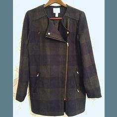 Gorgeous Plaid wool coat.  size-Large Gorgeous Plaid wool coat.  size-Large NWOT & NEVER WORN! Navy/grey. Gold zipper details & fully lined. Forever 21 Jackets & Coats