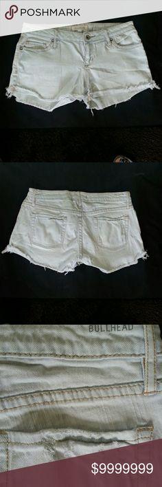 **FINAL**BULLHEAD DENIM SHORTS  LIGHT WASH BULLHEAD denim shorts distressed back pocket and frayed hem. Bullhead Shorts Jean Shorts