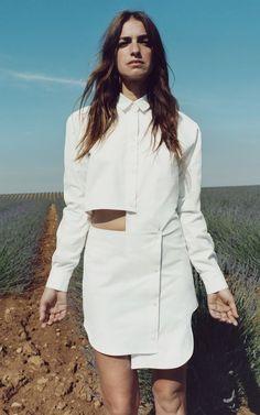 Jacquemus Resort 2016 Fashion Show Look 13 Fashion Week, Fashion Show, Fashion Trends, Style Fashion, Fashion Fashion, Jacquemus, Camisa Formal, Vogue, Fashion Details