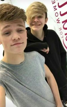 Chardre is real - Bars and Melody Matilda Devries, Max Schneider, Baby Bar, Bars And Melody, For You Song, Britain Got Talent, Niall Horan, Cute Boys, Hot Guys