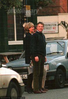 Princess Diana, Prince William+ their    bodyguard _ 1996