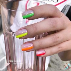 Simple and fun pops of color! Minimalist Nails, Neon Nails, Dope Nails, Pointy Nails, Best Acrylic Nails, Dream Nails, Nagel Gel, Fancy Nails, Square Nails