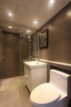 인천 간석 2동에 위치한 25평 빌라 인테리어입니다~ 전체적으로 심플한 화이트 톤의 자재로 마감을 하여, ... Toilet, Sink, Bathtub, Interior Design, Mirror, Architecture, Furniture, Home Decor, Bathrooms