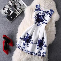"""Item Type: Dress Material: Blended Sleeve Length: Sleeveless Collar: Round Neck Pattern: Print Style: Fashion Color: Photo Color Size: XS (US size) Bust: 31-33"""", Waist: 23-25"""", Hips: 33-35"""" S (US size"""