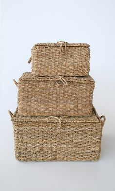 SEAGRASS HAMPERS WITH LIDS – Lemon Tree Interiors