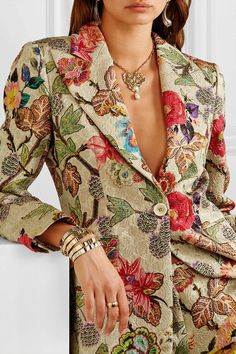 Etro is loved for its eclectic, impeccably-detailed motifs and this patchwork wrap shows just how beautiful they are Fashion 2020, Look Fashion, High Fashion, Fashion Beauty, Womens Fashion, Mode Outfits, Fashion Outfits, Fashion Trends, Fashion Tips