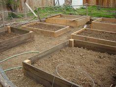 Ill use recycled fence boards from the windfall (um Raised beds: simpl Growing Winter Vegetables, Old Fence Boards, Vegetable Planters, Old Fences, Reclaimed Wood Projects, Garden Landscape Design, Wood Design, Modern Design, Small Gardens