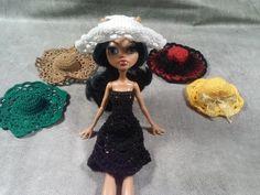 Эмма Сацкая - YouTube Mini Vestidos, Knitting Videos, Crochet Clothes, Barbie Dolls, Crochet Baby, Knitted Hats, Elsa, Projects To Try, Disney Princess