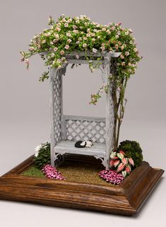 Rose Arbor - purchased piece, but beautiful for a miniature or fairy garden Miniature Plants, Miniature Fairy Gardens, Miniature Houses, Miniature Dolls, Fairy Furniture, Miniature Furniture, Doll Furniture, Rose Arbor, Fairy Crafts
