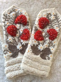 Decorating Mittens with Embroidery – a free tutorial on the topic: Needlework ✓DIY ✓Steps-By-Step ✓With photos Crochet Mittens, Crochet Slippers, Knitted Gloves, Knit Crochet, Embroidery On Clothes, Hand Embroidery, Simply Crochet, Stitch Book, Knitting Stitches