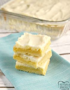 Lemon Cheesecake Bars are light, easy to make and only call for six ingredients. The crust is made with a lemon cake mix for an easy lemon dessert recipe with lots of lemon flavor! Cake Mix Desserts, Lemon Dessert Recipes, Cake Mix Recipes, Cake Mix Cookies, Lemon Recipes, Cupcakes, Quick Easy Desserts, Delicious Desserts, Desserts With Few Ingredients