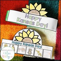 6 Activities for Celebrating Kansas Day {PLUS a Freebie!} | Your Kindergarten students will love learning more about Kansas on January 29th. Click through to see books about Kansas, a snack idea, centers or morning tub ideas, a mini book, flip up books, a sunflower counting craftivity, and a FREE crown download. Use this with your Kinder classroom or homeschool students today!