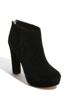 Perfect heel, perfect mood!