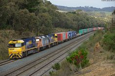 Australia - Freight train NR82, DL44 and NR57 at Heathcote Junction with 4MC2 | Flickr - Photo Sharing!