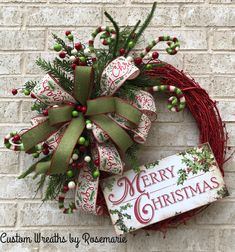 Wreaths make a great decoration for your home or as a gift for someone who appreciates and loves all things handmade by a designer. Custom Wreaths by Rosemarie helps you create beautiful, handmade wreaths for your home from Pearland, Texas. Christmas Wreaths To Make, Holiday Wreaths, Christmas Projects, Christmas Holidays, Christmas Ornaments, Rustic Christmas, Winter Wreaths, Christmas Swags, Spring Wreaths