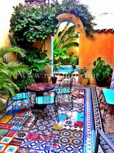 Garden Design Pool - Sie sind an der richtigen Stelle für diy Hier bieten wir Ihnen die schönsten Bilder mit dem ges - Mexican Courtyard, Mexican Patio, Mexican Garden, Mexican Hacienda, Mexican Home Decor, Hacienda Style, Mexican Style, Hacienda Decor, Spanish Courtyard