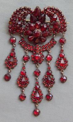 Antique Victorian Rose Gold Filled Bohemian Garnet Dangle Drop Brooch Pin c 1860