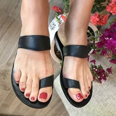 Hey, I found this really awesome Etsy listing at https://www.etsy.com/listing/614659073/leather-sandals-unisex-black-leather