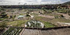 Un proyecto público en España y otro en Polonia han sido galardonados (ex aequo) con el Premio Europeo Público Urbano delCentro de Cultura...  http://www.plataformaarquitectura.cl/cl/790802/espana-y-polonia-ganadores-del-premio-europeo-del-espacio-publico-urbano-2016?utm_medium=email&utm_source=Plataforma+Arquitectura