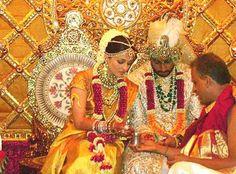Happy #WeddingAnniversary to #MissWorld #AishwaryaRai and her husband #AbhishekBachchan celebrate 8 years of #marriage.