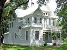 OldHouses.com - 1896 Victorian: Queen Anne - Historical Gem in Country Setting in Hitchcock, Texas