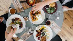 Καλώς Ήρθατε στις Κρητικές Γεύσεις | Παραδοσιακή Κρητική κουζίνα | Κρητικές συνταγές | Παραδοσιακές συνταγές | Γεύσεις από Κρήτη | Food Blogger Κρήτη | - www.kritikes-geuseis.gr Superfood, Dieta Flexible, Stop Overeating, Intuitive Eating, Best Places To Eat, Meal Planning, Healthy Eating, Stay Healthy, Tasty