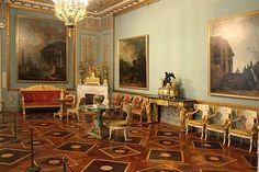 Ministère des Affaires Etrangères et des Finances - Saint Petersbourg - Façade sur la Moïka - Construit par Carlo Rossi de 1819 à 1829 - Intérieur.