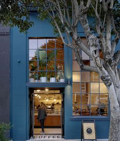 Located at 3014 20th street San Francisco's Mission district, Sightglass joins a coterie of establishments that cater to a discerning cul...