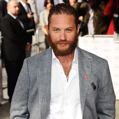 Tom Hardy 'steals' co-stars hair...  http://www.herworldplus.com/mensex/updates/mensex-updates-tom-hardy-steals-co-stars-hair