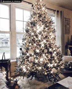 20 Impressive White Christmas Tree Designs Ideas To Try In 2019