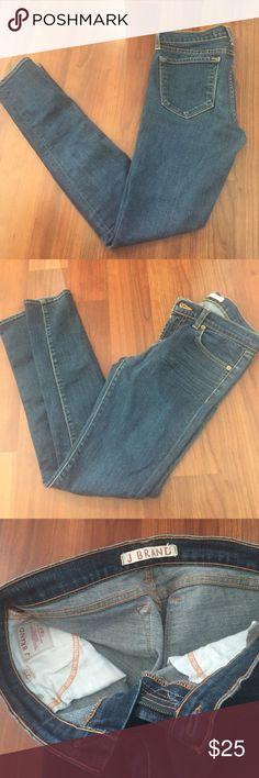 Skinny j brand Super skinny mint condition. W stretch. Size 25 J Brand Jeans Skinny