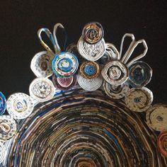 Particolare del vassoio realizzato con cannucce di carta