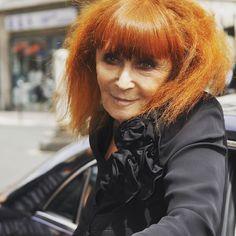 #SoniaRykiel #sundaybest #styleblogger #style2016 #fashion #dolceandgabanna #moschino #marcjacobs #anyahindmarch #louisvuitton #boutique #knitwear #Whatcountsisattitude #watchmaker #fashiondesigner #SamRykiel #Rykiel