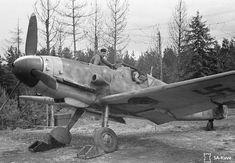 "Major Eino Luukkanen, Fighter 34 commander in his Messerschmitt Bf W. 411 902 ""MT fighter plane leaving for an alarm flight. Date: Photographer: Niilo Helander. Ww2 Aircraft, Fighter Aircraft, Fighter Jets, Me 109, Military Jets, Military Aircraft, Finnish Air Force, P51 Mustang, Ww2 Planes"