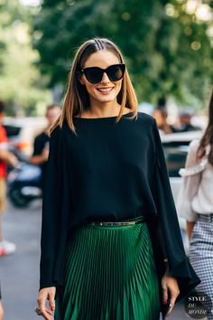 24 Ideas Fashion Week Street Style Spring Olivia Palermo For 2019 Fashion Week 2018, Milan Fashion Weeks, Fashion Mode, New York Fashion, Look Fashion, Trendy Fashion, Autumn Fashion, Skirt Fashion, Green Fashion