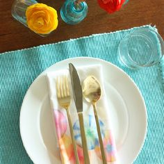 Use a marker dye technique to make these this colorful spring-like napkins for your table.