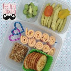 Non sandwich lunch idea via Feeling a Little Lunchy Eat Lunch, Lunch To Go, Lunch Snacks, Lunch Time, Lunch Recipes, Easy Toddler Meals, Healthy Meals For Kids, Kids Meals, Healthy Lunches