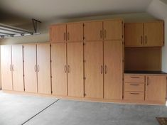garage cabinet plans with the interior design is another important idea. Some models of garage cabinet plans free tell you how color scheme has a great influen Garage Cabinets Ikea, Armoire Garage, Diy Cabinets, Plywood Cabinets, Utility Cabinets, Kitchen Cabinets, Garage Shelving, Garage Shelf, Garage House